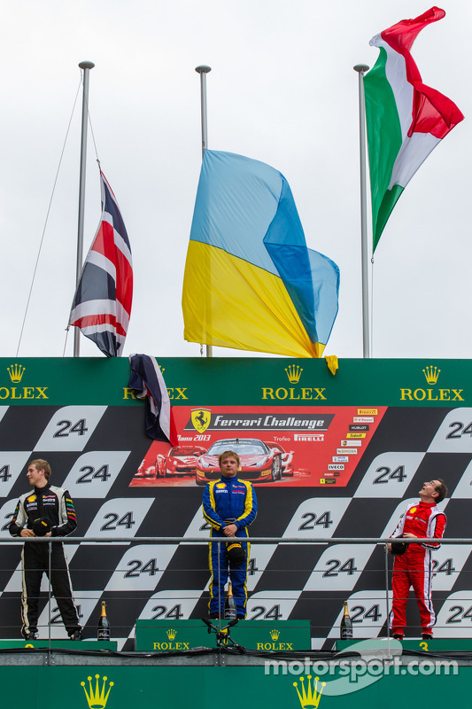 pódio: vencedor Sergey Chukanov, segundo colocado Alexander Martin, terceiro colocado Benedetto Mart