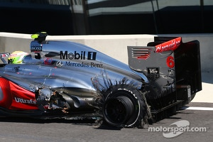 Sergio Perez, McLaren MP4-28 with a tyre blow out failure