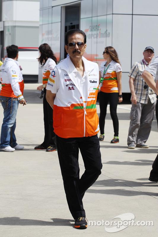 Subrata Roy Sahara Sahara Chairman com o Sahara Force India F1 Team