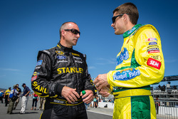 Marcos Ambrose, Richard Petty Motorsports Ford and David Ragan, Front Row Motorsports Ford