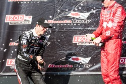 Sebastien Bourdais, Dragon Racing Chevrolet and Scott Dixon, Target Chip Ganassi Racing Honda Target Chip Ganassi Racing celebrate