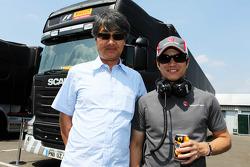 Taki Inoue, eski  F1 pilotu ve Kimiya Sato, Sauber Test Pilotu