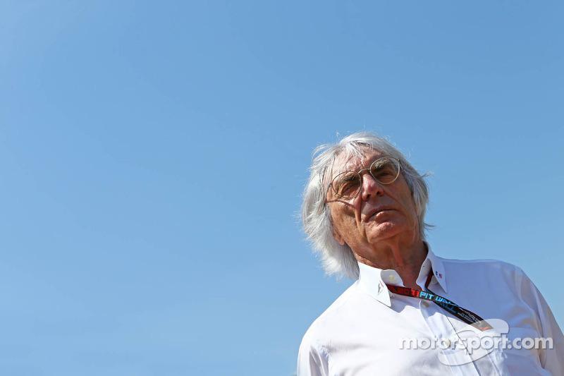 Bernie Ecclestone, CEO Formula One Group, op de grid