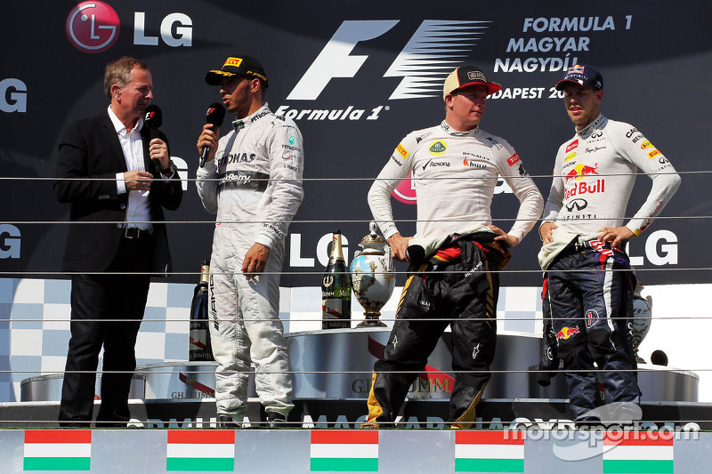 Подіум: 1. Льюіс Хемілтон, Mercedes. 2. Кімі Райкконен, Lotus -Renault. 3. Себастьян Феттель, Red Bu