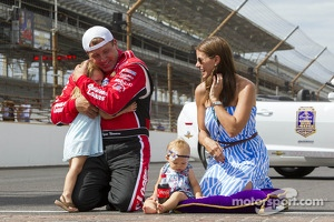 Race winner Ryan Newman, Stewart-Haas Racing Chevrolet