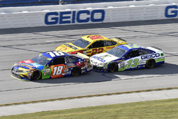 Kyle Busch, Joe Gibbs Racing Toyota, Joey Logano, Team Penske Ford, Ty Dillon, Germain Racing Chevrolet