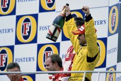 Podium : le troisième Tiago Monteiro, Jordan Toyota EJ15