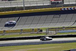 Martin Truex Jr., Furniture Row Racing Toyota, Kurt Busch, Stewart-Haas Racing Ford