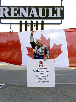 Campeón del mundo Jacques Villeneuve, Williams celebra