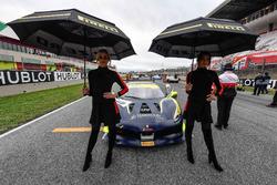 Grid kızları, #411 Scuderia Corsa - Ferrari Beverly Hills Ferrari 488: Karl Williams