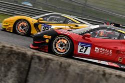 #27 Rossocorsa - Pellin Racing Ferrari 488: Alessandro Vezzoni, #92 Stratstone Ferrari Ferrari 488: Sam Smeeth