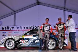 Gabin Dumas, Romain Dumas, Denis Giraudet, Porsche 997 GT3 RS, Porsche Team, podium