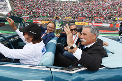 Emerson Fittipaldi, drivers Alejandro Soberon, President and CEO for CIE Group and President of Formula 1 Gran Premio de Mexico and Chase Carey, Chief Executive Officer and Executive Chairman of the Formula One Group