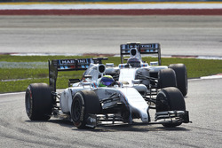 Felipe Massa, Williams FW36 Mercedes, precede Valtteri Bottas, Williams FW36 Mercedes
