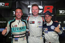 Polesitter Gordon Shedden, second place Jean-Karl Vernay, Leopard Racing Team WRT, third place Benjamin Leuchter, West Coast Racing