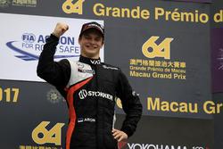 Podio: Ralf Aron, Van Amersfoort Racing, Dallara Mercedes