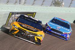 Matt Kenseth, Joe Gibbs Racing Toyota, Aric Almirola, Richard Petty Motorsports Ford