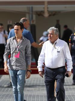 Esteban Gutierrez, et Enzo Spano, commissaire de la FIA