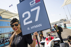 Grid girl for Raoul Hyman, Campos Racing