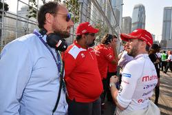 Dilbagh Singh, Nick Heidfeld, Mahindra Racing, on the grid