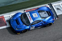 #77 Kessel Racing Ferrari 488 GT3: Claudio Schiavoni, Andrea Piccini, Sergio Pianezzola