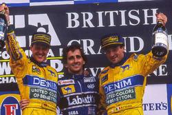 Podium : le vainqueur Alain Prost, le deuxième Michael Schumacher, le troisième Riccardo Patrese