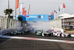 Jose Maria Lopez, Dragon Racing e Lucas di Grassi, Audi Sport ABT Schaeffler, alla partenza della gara