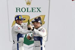 #67 Chip Ganassi Racing Ford GT, GTLM: Райан Бріско, Річард Вестбрук, на подіумі