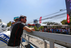 Jérôme d'Ambrosio, Dragon Racing sorride ai fan