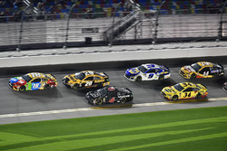 Kyle Busch, Joe Gibbs Racing Toyota, Erik Jones, Joe Gibbs Racing Toyota, Trevor Bayne, Roush Fenway Racing Ford Fusion, Chase Elliott, Hendrick Motorsports Chevrolet Camaro, Michael McDowell, Front Row Motorsports Ford Fusion, Clint Bowyer, Stewart-Haas Racing, Rush Truck Centers/Mobil 1 Ford