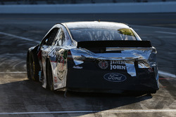 Kevin Harvick, Stewart-Haas Racing Ford Fusion parked on pit road