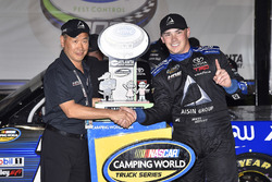 Brett Moffitt, Hattori Racing Enterprises, AISIN Atlanta Toyota Tundra celebrates his win