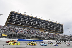 Paul Menard, Wood Brothers Racing, Menards / Moen Ford Fusion, Joey Logano, Team Penske, Shell Pennzoil Ford Fusion