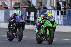 SS600: Anthony West, Webike IKAZUCHI Racing and Azlan Shah, Manual Tech KYT Kawasaki Racing