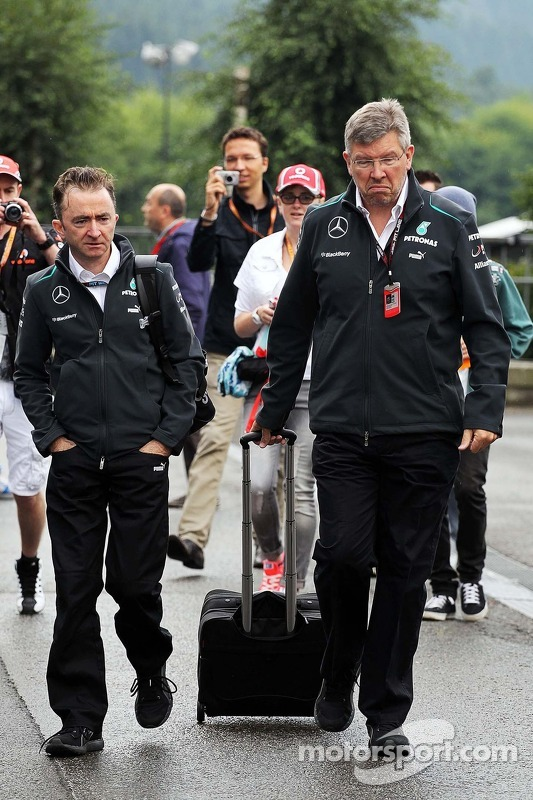 Paddy Lowe, Mercedes AMG F1 Executive Director, and Ross Brawn, Mercedes AMG F1 Team Principal