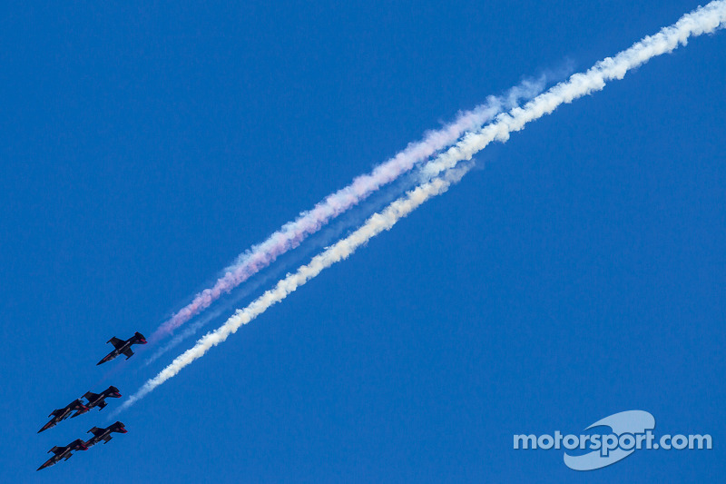 Air show voor de race