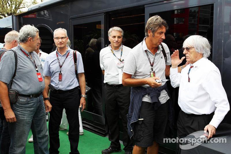 Bernie Ecclestone, CEO Formula One Group, met Jean-Francois Galeron