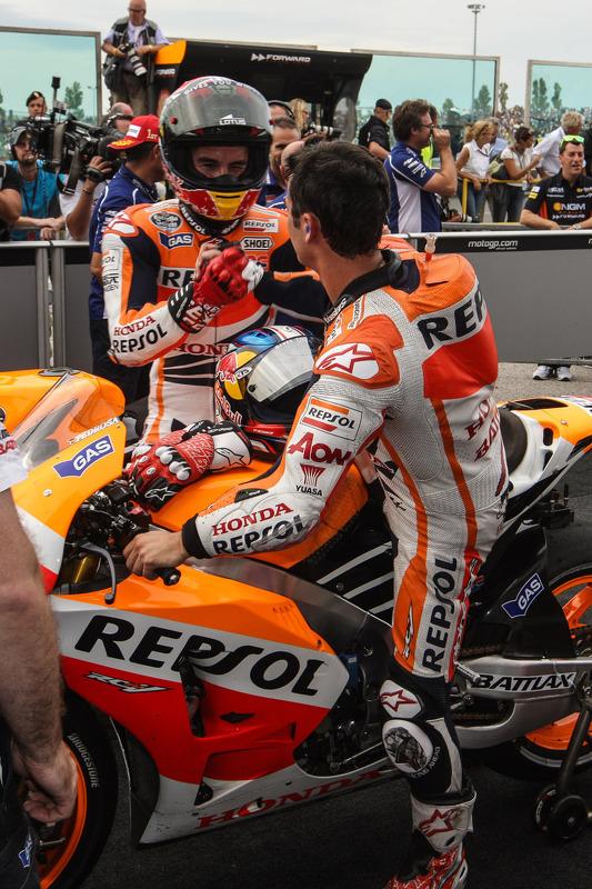 segundo colocado Marc Marquez e terceiro colocado Dani Pedrosa