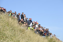 spectators, dunes
