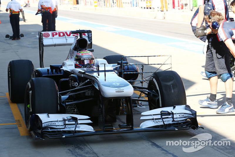 Pastor Maldonado, Williams FW35 running sensor equipment