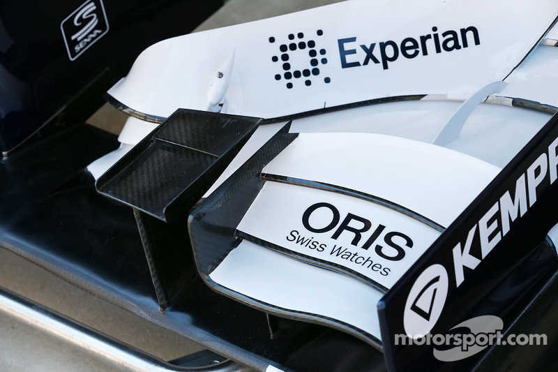 Williams FW35 front wing detail