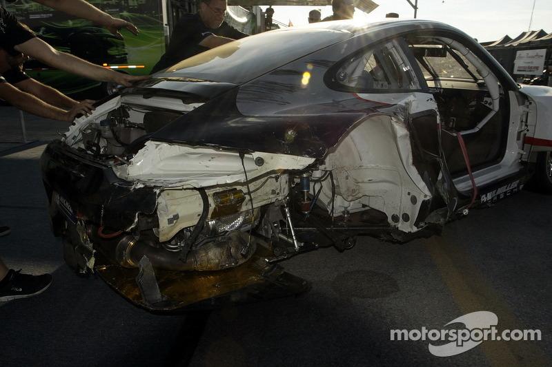 Schade aan de #48 Paul Miller Racing Porsche 911 GT3 RSR: Bryce Miller, Marco Holzer