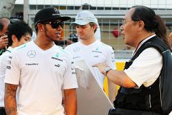 Lewis Hamilton, Mercedes AMG F1 con Hiroshi Kaneko, Fotógrafo