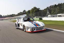 Перемоець Ле-Ману 1976 року Porsche 935/77