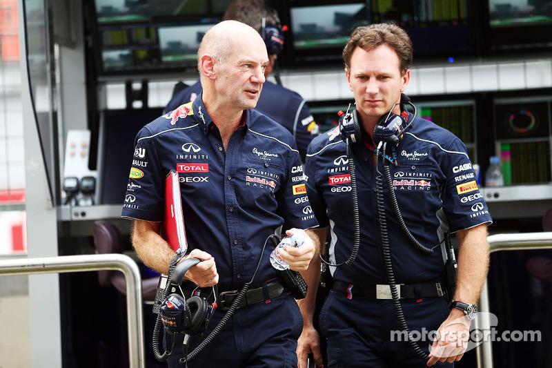 (L naar R): Adrian Newey, Red Bull Racing Chief Technical Officer met Christian Horner, teambaas Red Bull Racing