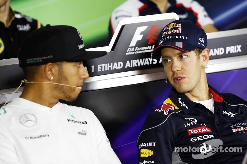 (L naar R): Lewis Hamilton, Mercedes AMG F1 en Sebastian Vettel, Red Bull Racing bij de FIA-persconferentie