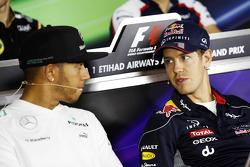 Lewis Hamilton, Mercedes AMG F1 y Sebastian Vettel, Red Bull Racing en la Conferencia de prensa