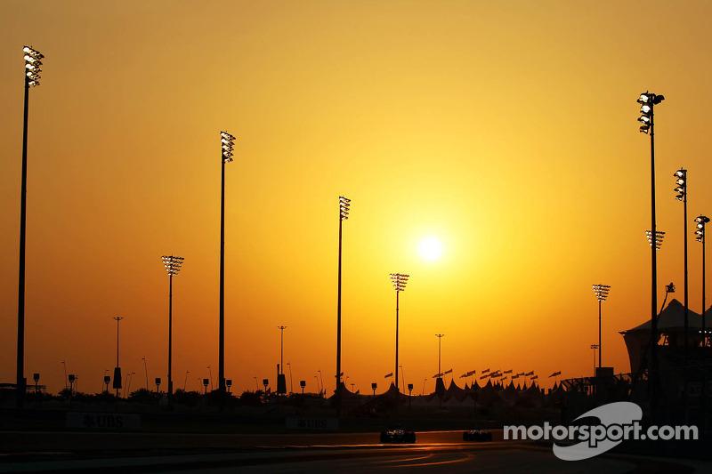 Actie tijdens de zonsondergang