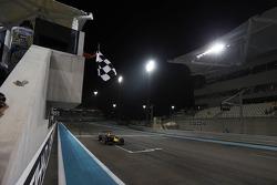 Даниил Квят. Абу-Даби, субботняя гонка.