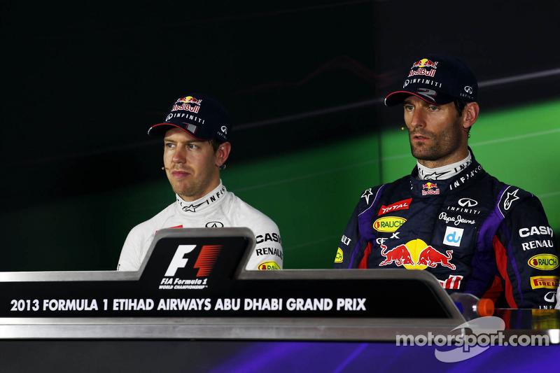(L naar R): Sebastian Vettel, Red Bull Racing en polesitter Mark Webber, Red Bull Racing bij de FIA-persconferentie